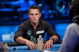 10 Tips Terbaik Untuk Memenangkan Turnamen Poker