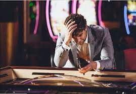 Ketika Pilihan Yang Salah Disaat Bermain Casino Online Dapat Menghancurkan Keuangan Anda